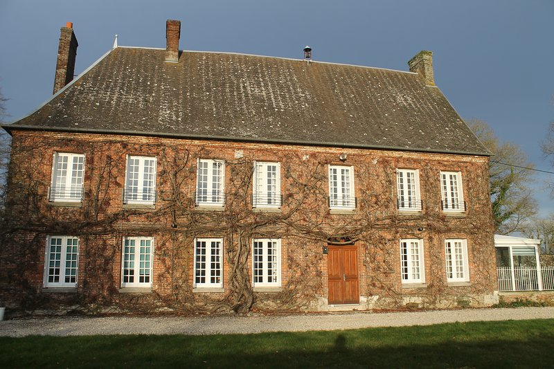 La belle maison de maître, holiday rental in Caudebec-en-Caux