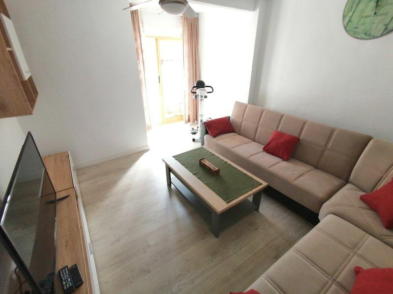 DOMANGE APARTMENT, aluguéis de temporada em Rojales