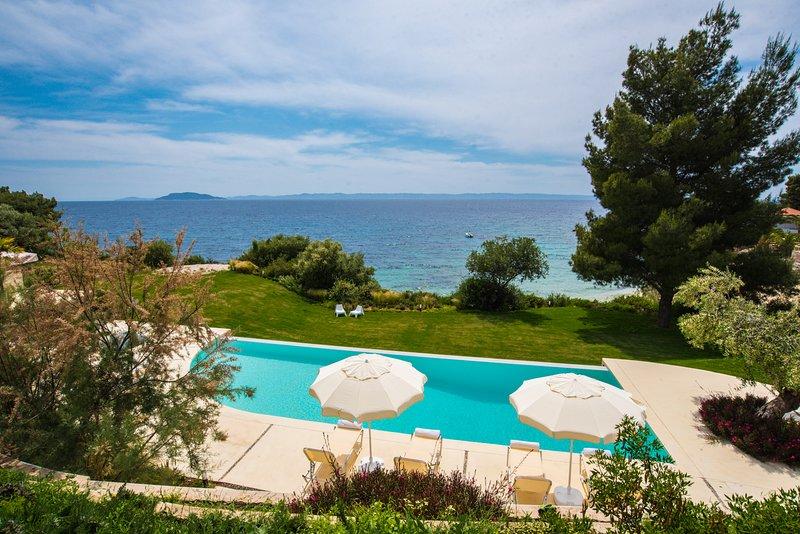 Quintessence Villa Seafront 3B, holiday rental in Elia Nikitis