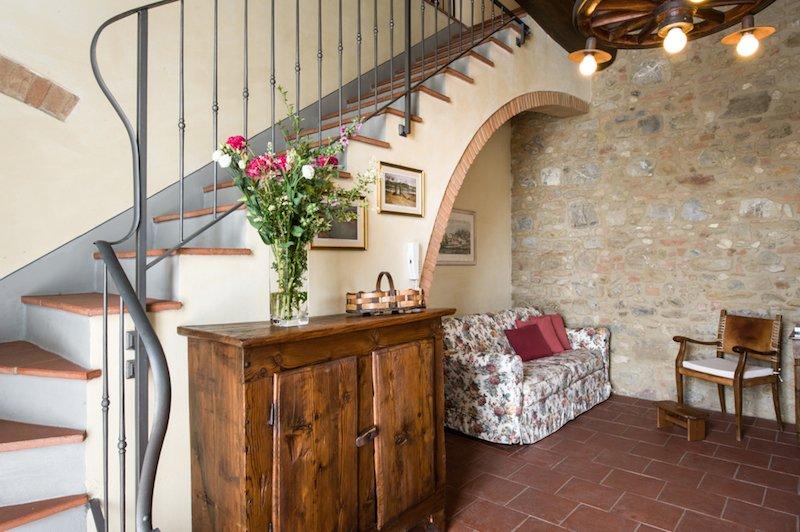Gorgoli, luxury apartment at Fattoria Pogni, vacation rental in Certaldo