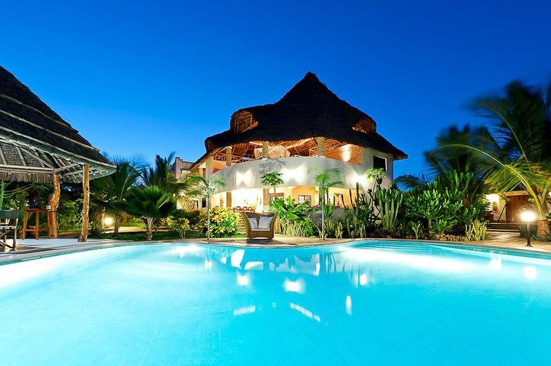 Fully serviced private villa at the Watamu beach., vacation rental in Watamu