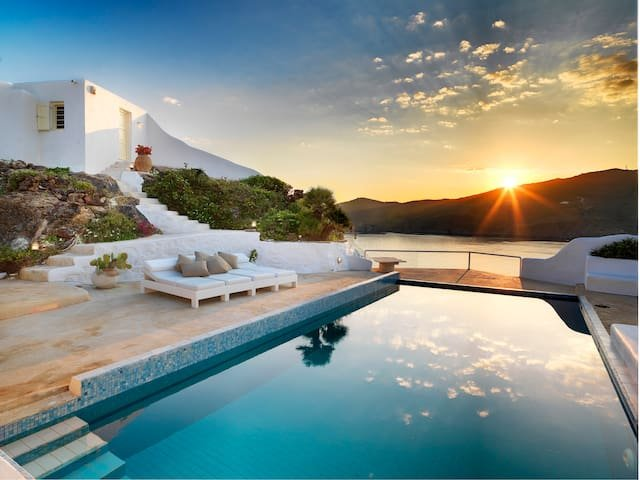 Villa Galatea by The Pearls Collection, holiday rental in Ftelia