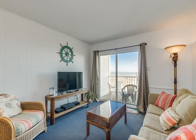 Nicely decorated unit in Low-rise building + FREE DAILY ACTIVITIES!, holiday rental in North Myrtle Beach