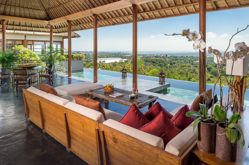 Luxury six bedroom design villa, Jimbaran with incredible view, holiday rental in Jimbaran