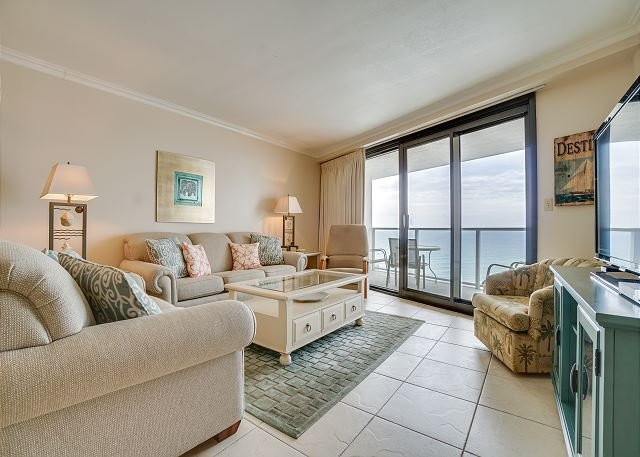 Cozy, upgraded clean beachfront condo at affordable rates ~ 'A Mermaids Tale', vacation rental in Miramar Beach