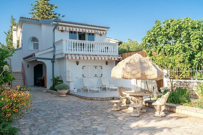 Appartements KATICA -3, vacation rental in Prvic Sepurine