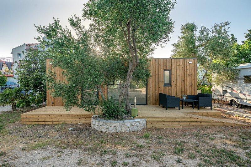 Chalet NATASA - CAMPING DOM SRIMA, vacation rental in Prvic Sepurine