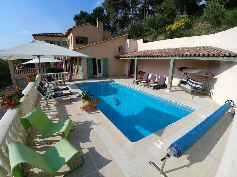JdV Holidays Villa Violette, 5 bedrooms, tranquil location, great price!, vacation rental in Colomars