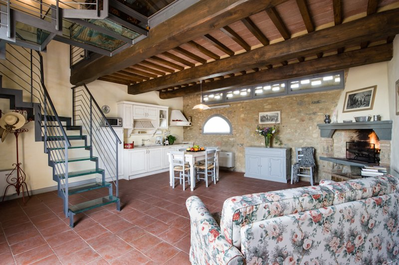 Amazing studio apartment surrounded by Chianti hills, vacation rental in Marcialla