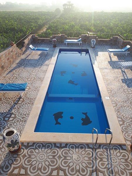 Nile panorama Two bedroom apartment 1, location de vacances à Louxor