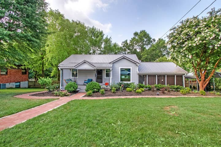 Old Hickory Hideout!!! Basement Apartment, Ferienwohnung in Goodlettsville