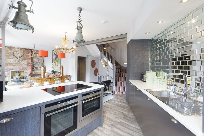 Gorgeous open plan kitchen living dining space. Gadgets galore