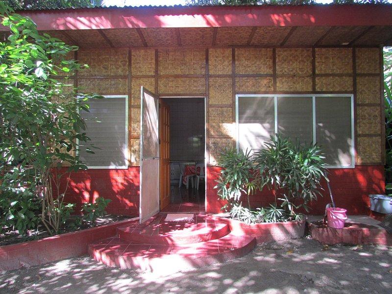 Felipa Beach Residence - Jasmine, alquiler vacacional en Negros Oriental
