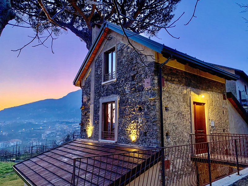 Tenuta Novecento Bio Agriturismo for hiking & walking in Amalfi Coast, vacation rental in Agerola