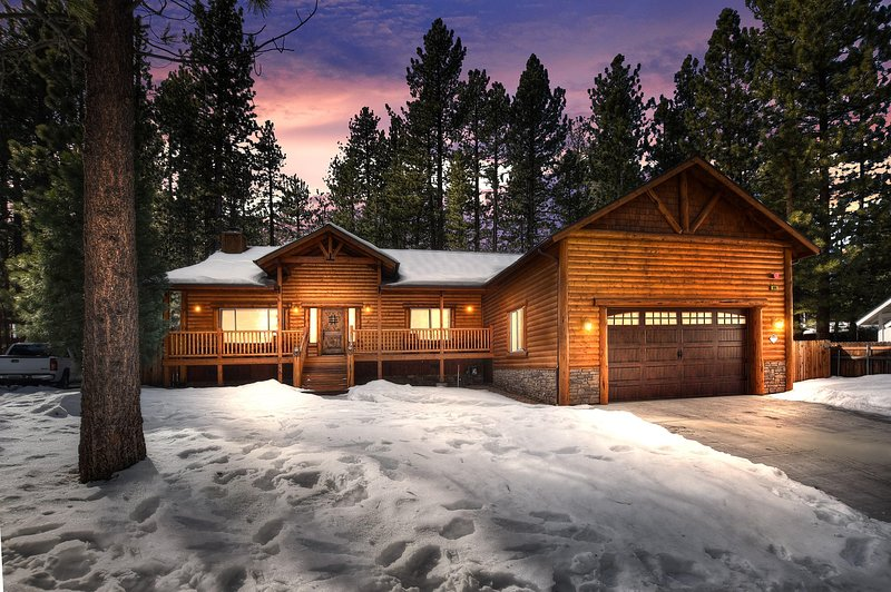 51 - NEW! - PARADISE PINES LODGE - NEAR SKI RESORTS, alquiler de vacaciones en Moonridge
