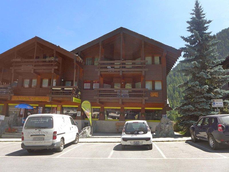 Tarcianne A Apt. 2, holiday rental in Grimentz