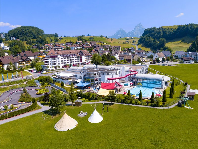Swiss Holiday Park, vacation rental in Muotathal