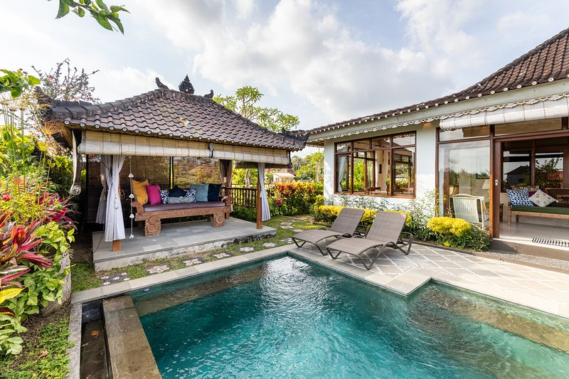 Devi's Place Ubud- space & privacy at Villa Intani, vacation rental in Ubud