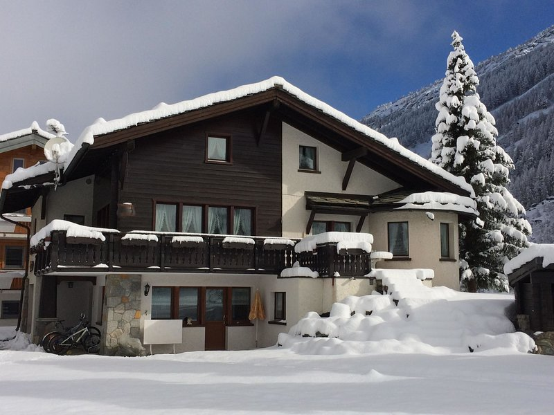 Chalet Sunstar, kleine Wohnung, location de vacances à Saas-Fee