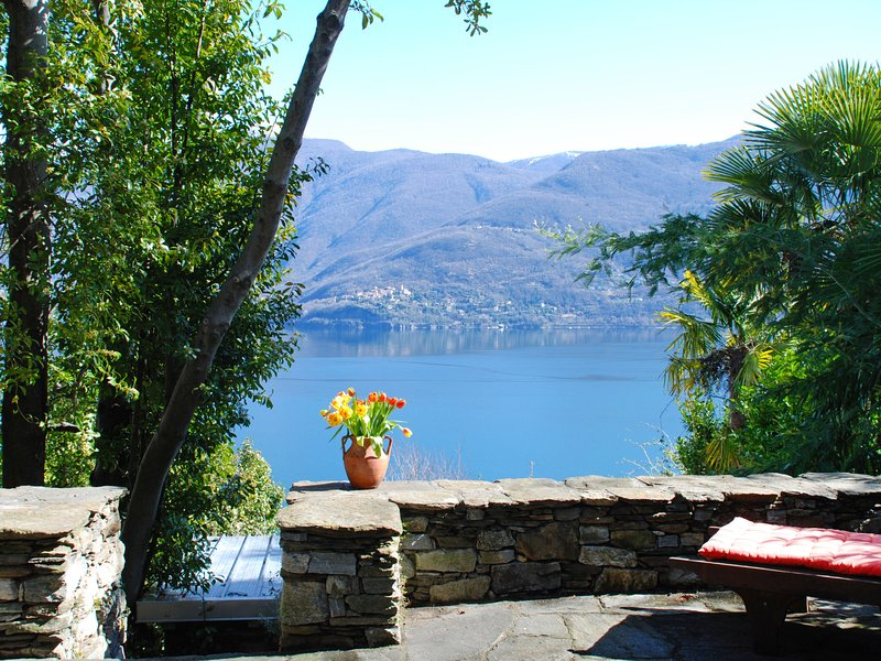Garuda, vacation rental in Brissago