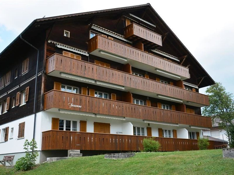 Suzanne Nr. 18, vacation rental in Saanenmoser