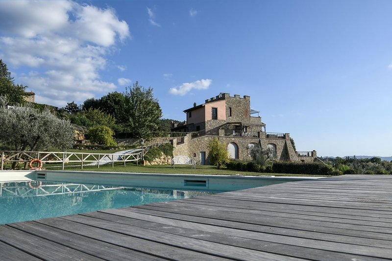 Villa Kora for 8 persons. WiFi, A/C, private pool, in the small town of Iano!, holiday rental in Palagio