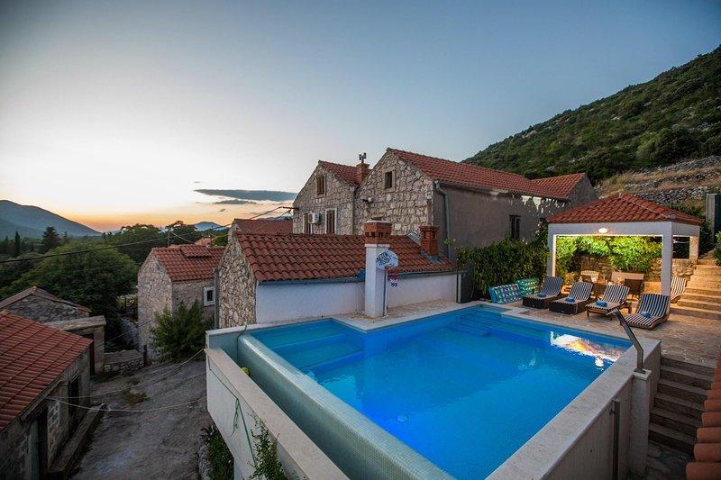 Villa Stanka - Three Bedroom Villa with Private Pool, holiday rental in Ston