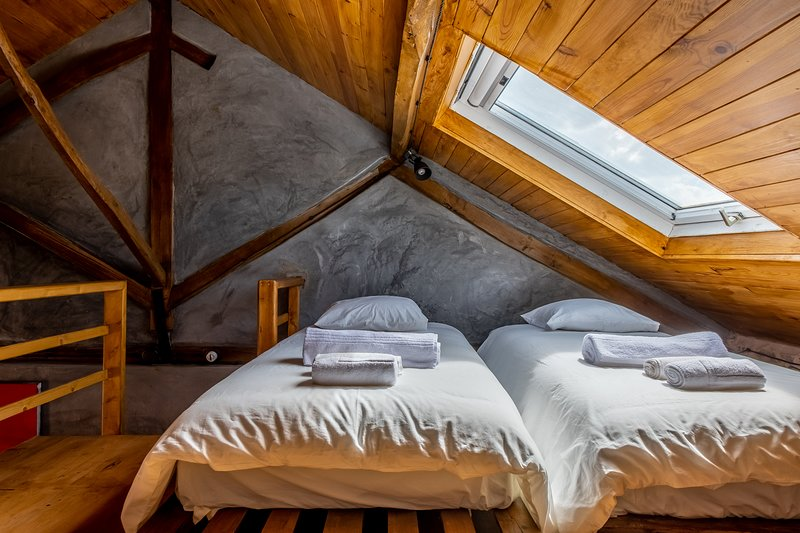 Terra Lodge - Oficina (Casa 5), holiday rental in Casais de Sao Lourenco