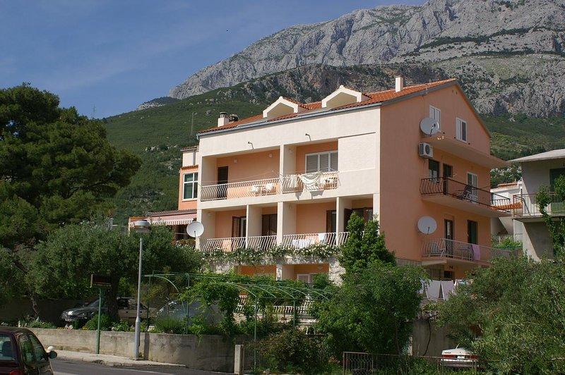 Two bedroom apartment Tučepi, Makarska (A-2721-e), vacation rental in Tucepi