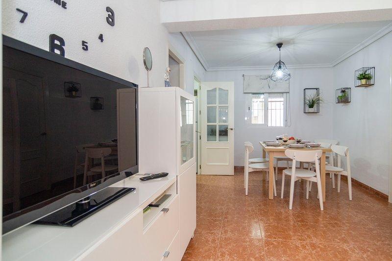 Precioso apartamento a 1km del Puente Romano y la Mezquita, holiday rental in La Rambla