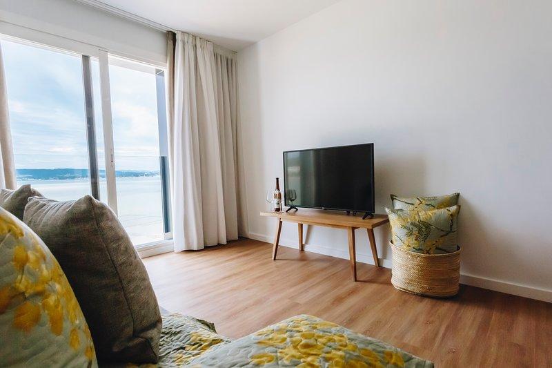 Apartamentos Dos Habitaciones vistas al mar, holiday rental in O Grove