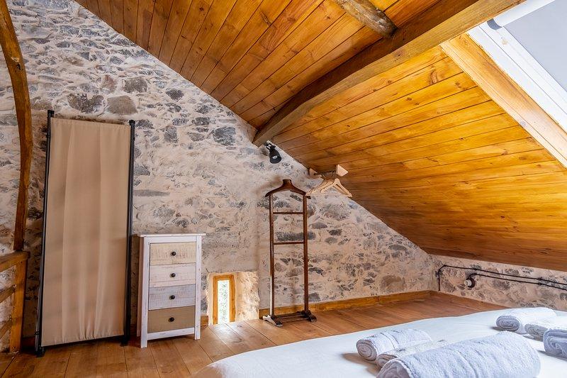 Terra Lodge - Armazém (Casa 6), holiday rental in Casais de Sao Lourenco