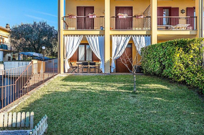 Loggiato: comfortable apartment in Villa di Salo', holiday rental in Villanuova sul Clisi