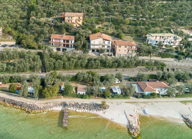 Villa Olivo appartamento 90 mq vista panoramica A – semesterbostad i Brenzone sul Garda