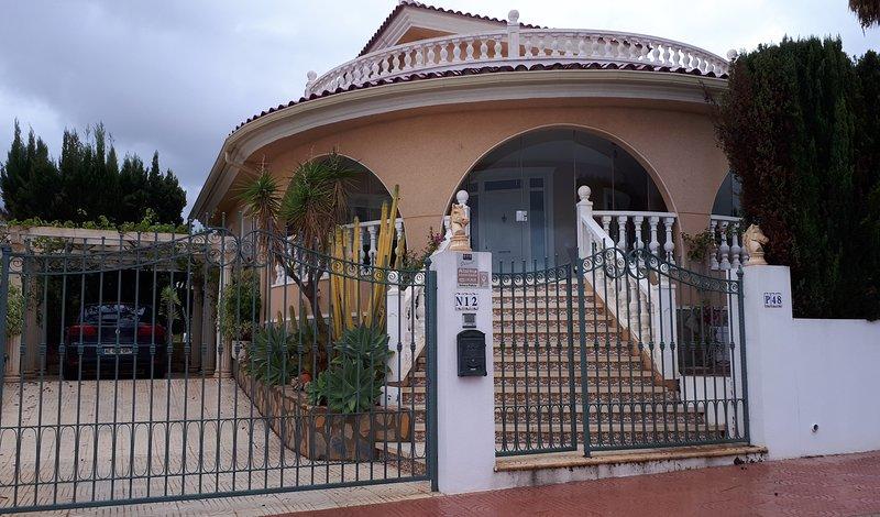 Spacious villa with swimming-pool, holiday rental in Ciudad Quesada