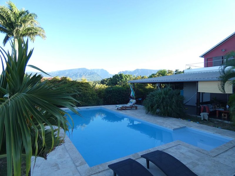 Beautiful apt with shared pool, casa vacanza a Bois d'Olives