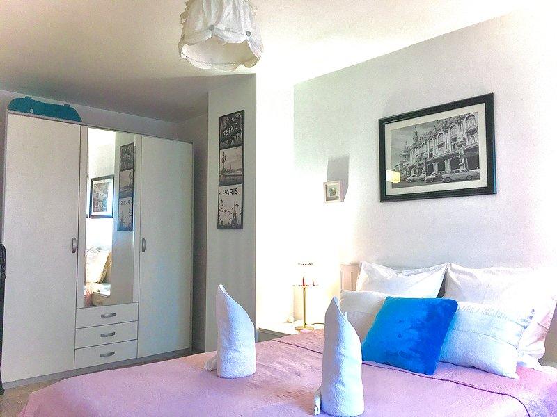 MAISON de VACANCE  au CALME + WIFI 20 min DISNEYLAND/PARIS, holiday rental in La Queue-en-Brie