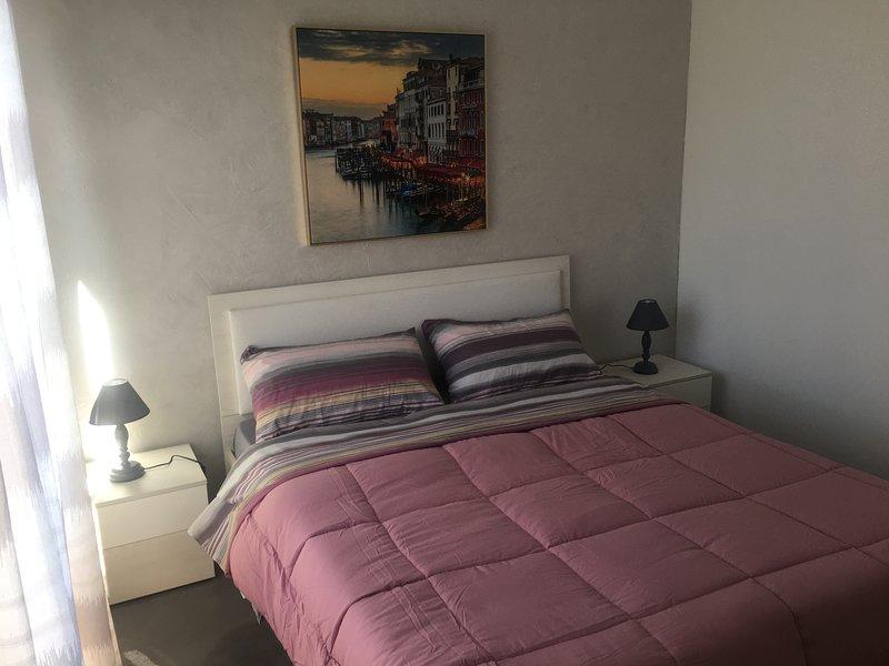 Beautiful apartment near the beach, location de vacances à Casa Milazzo