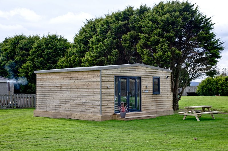 Bushwood, Wheal Dream - A two bed lodge sleeping four perfect for exploring the, holiday rental in Wendron