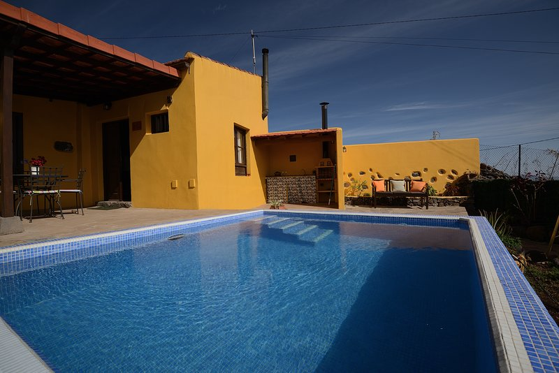 Nice villa with swimming-pool, vacation rental in La Esperanza