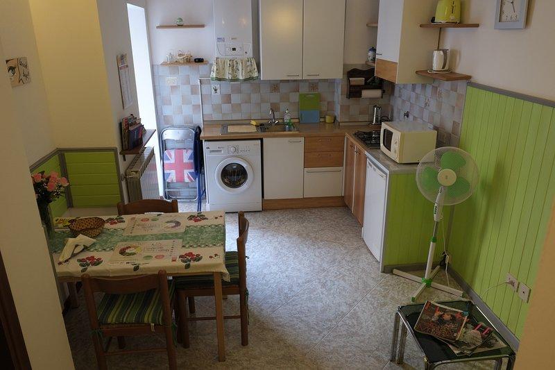 Green Rainbow apartment with free WI-FI, aluguéis de temporada em Trieste