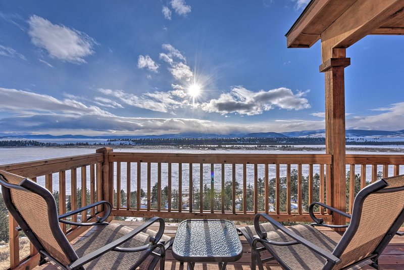 NEW! Fairplay Cabin w/Deck, Pool Table+Mtn Views!, vacation rental in Hartsel