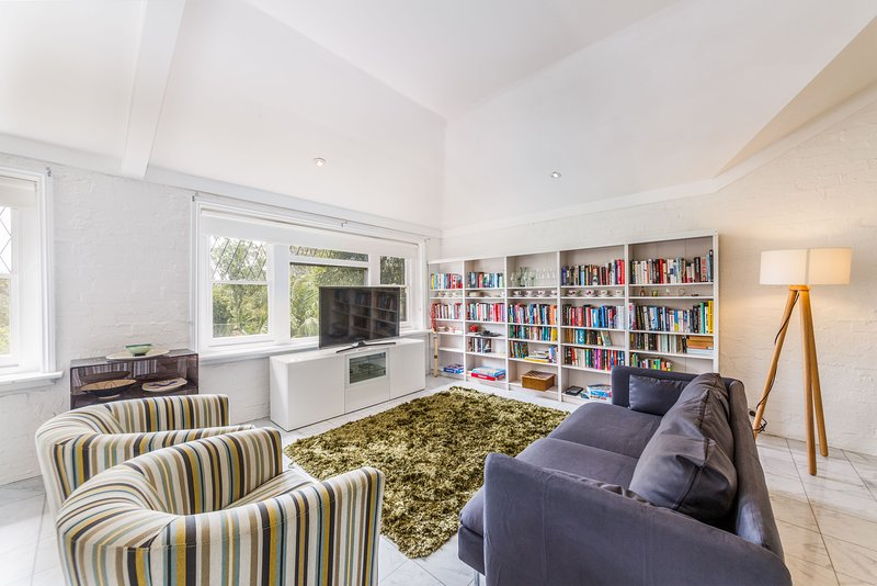 Spoilt for choice 2-bed/2-bath + Free parking, holiday rental in Toorak