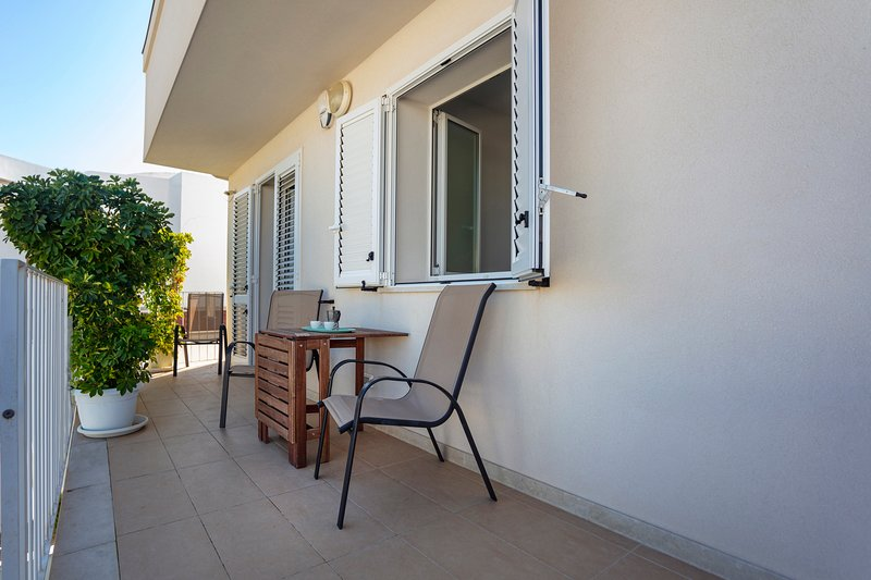 Terrazza Montalbano - Mimì, holiday rental in Punta Secca