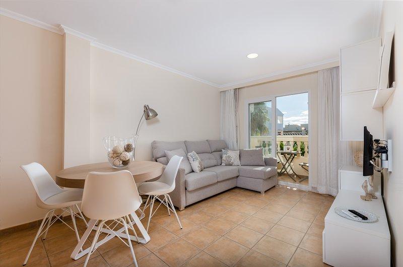 BONANZA 5 - Apartment for 2 people in Colonia de Sant Jordi, holiday rental in Colonia de Sant Jordi