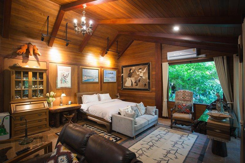 Cattani's Riverside Home : Cowboy Villa Garden View, Ferienwohnung in Ayutthaya