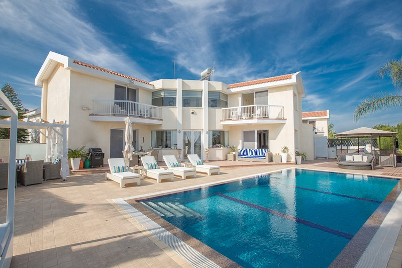 Protaras Villa Mandali MA7, Luxury 3 bedroom villa with pool & sea views, holiday rental in Protaras
