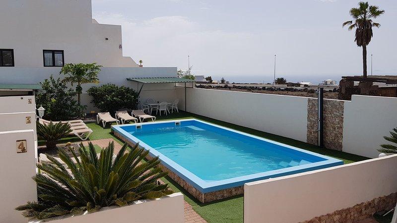 Ferienwohnung (N3), Kleine Ferienanlage mit Salzwasser Pool im Zentrum Tias, holiday rental in Conil