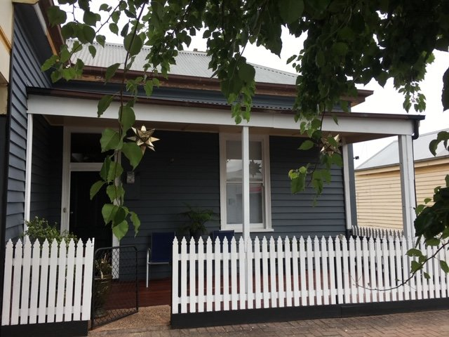 Lucy's Artist Cottage, vacation rental in Casterton