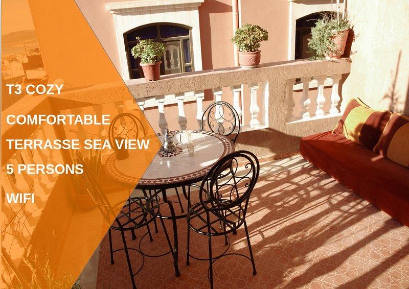 plage à 5 min, appart 60 m² terrasse mer idéal famille/surfeur village typiqu, location de vacances à Tamraght
